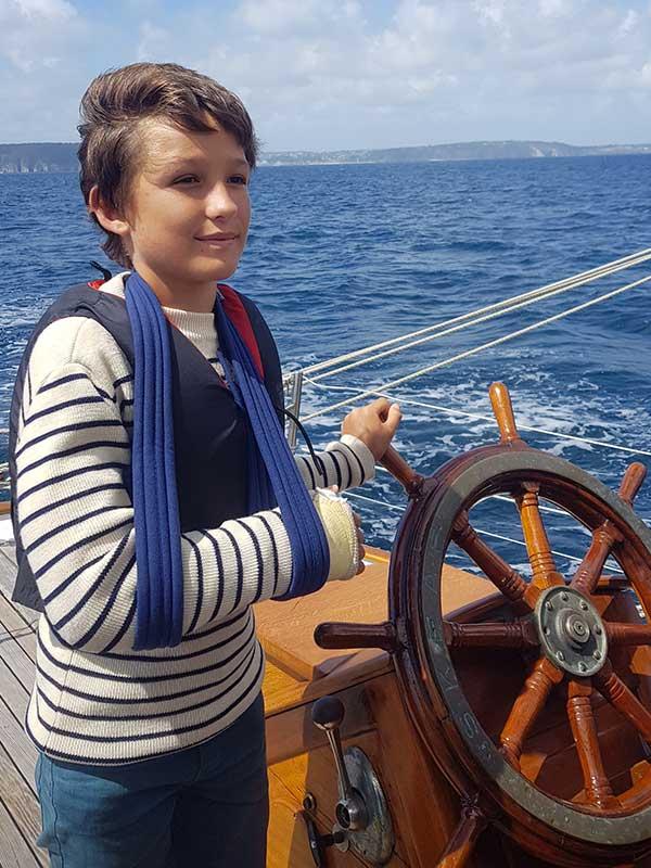 Un passager qui plonge du bateau - Skeaf